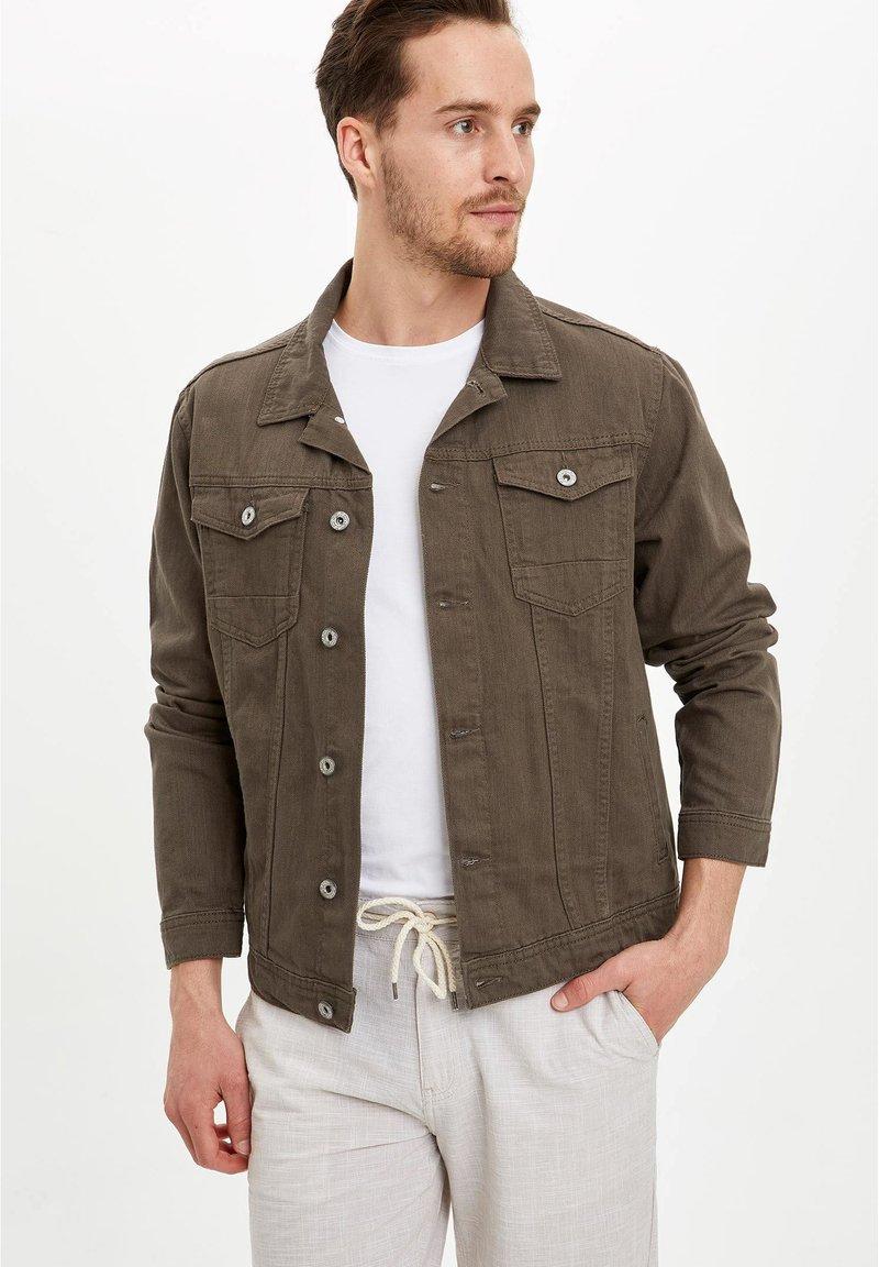 DeFacto - Denim jacket - green