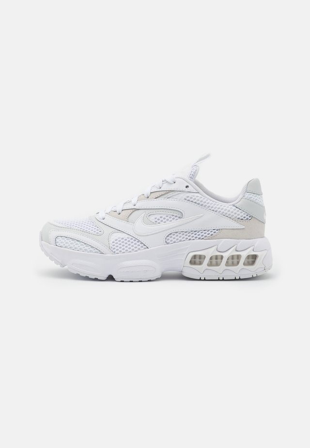 ZOOM AIR FIRE - Sneakers - photon dust/white/summit white