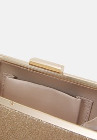 Forever New - SOPHIA FRAMED HARDCASE - Clutch - gold - 3