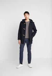 Selected Homme - SLHSLIM ARVAL PANTS - Spodnie materiałowe - navy blazer - 1
