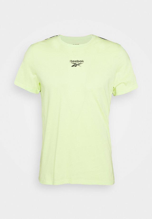 TAPE TEE - T-shirt imprimé - semi energy glow