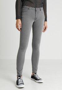 Vero Moda - VMJULIA FLEX IT - Jeans Skinny - light grey denim - 0