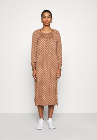 Second Female - TOVE DRESS - Maxi šaty - ginger root - 0