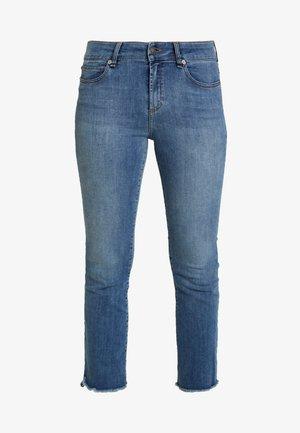 JOHANNA KICK FLORENZE - Flared Jeans - denim blue