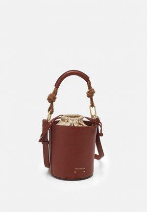 HOLLY MINI SEAU - Handbag - cognac