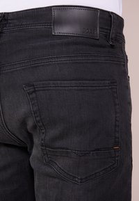BOSS - TABER - Jeans Slim Fit - black - 3