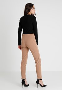 Club L London - GIRL BOSS TROUSERS - Leggings - Trousers - camel - 2