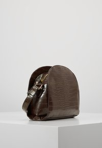 Pieces - Across body bag - chocolate fondant - 2