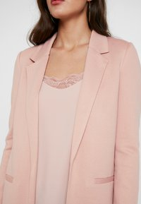 Vero Moda - VMJANEY LONG - Cappotto corto - misty rose - 5