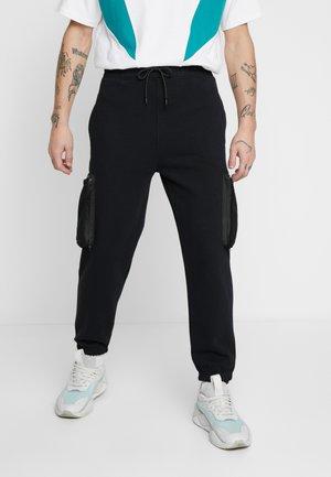 UTILITY POCKET - Spodnie treningowe - black