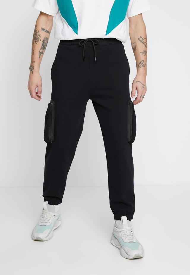 UTILITY POCKET - Pantalon de survêtement - black