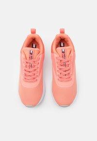 Tommy Hilfiger - SPORT 2 WOMEN - Sports shoes - orange - 3