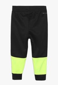 Nike Sportswear - BABY SET - Tracksuit - black/volt - 3