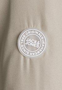Jack & Jones - JORVEGAS  - Giubbotto Bomber - crockery - 2