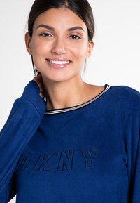 DKNY Loungewear - Pyjama set - navy print - 2