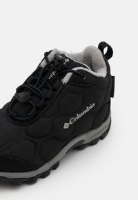 Columbia - CHILDRENS FIRECAMPMID 2 WP UNISEX - Walking boots - black/monument - 5
