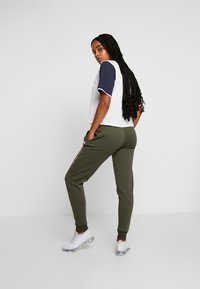 Tommy Sport - BIG LOGO - Joggebukse - green - 2
