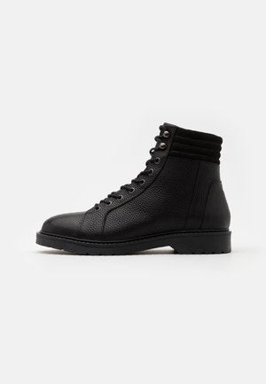 SLHTIM HIKING BOOT - Lace-up ankle boots - black