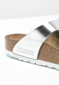 Birkenstock - GIZEH - T-bar sandals - metallic silver - 6