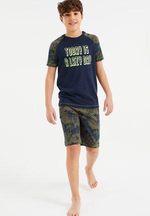 Pyjama set - army green