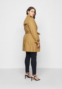 Tommy Hilfiger Curve - Trenchcoat - countryside khaki - 2