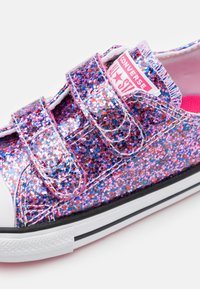 Converse - CHUCK TAYLOR ALL STAR COATED GLITTER - Zapatillas - bold pink/white/black - 5