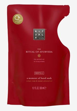 THE RITUAL OF AYURVEDA REFILL HAND WASH - Mydło w płynie - -