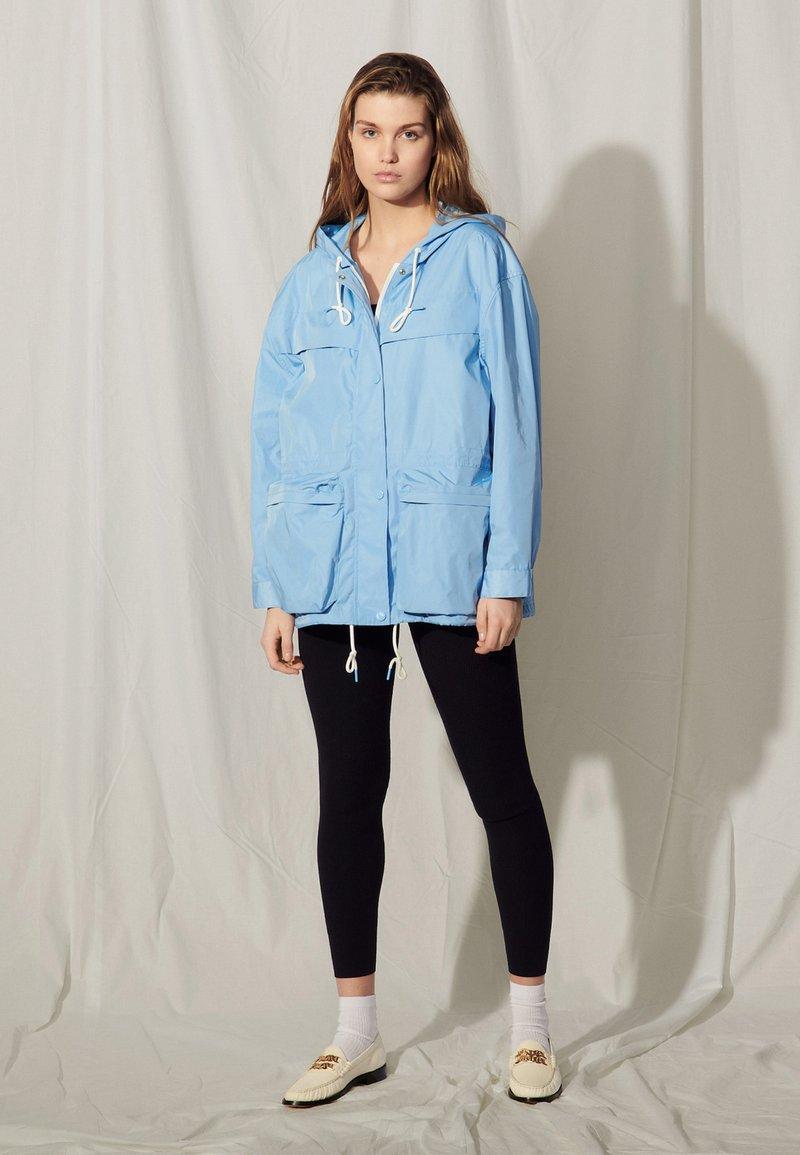 sandro - Summer jacket - bleu ciel