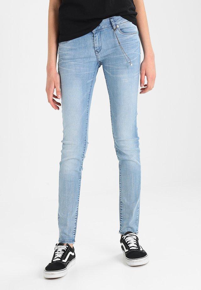LOCKA - Jeans slim fit - fresh