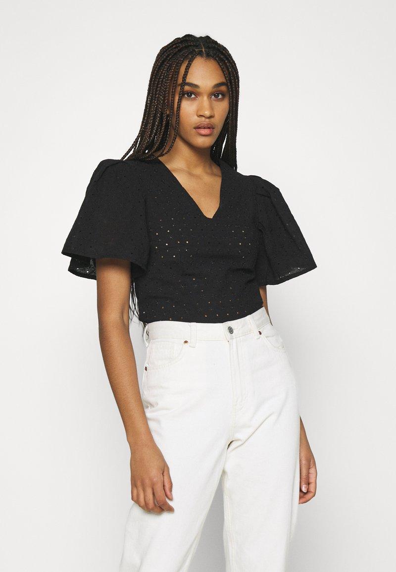 Trendyol - Basic T-shirt - black
