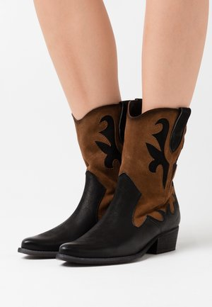 WEST - Cowboy/biker ankle boot - morat/marvin black/brown