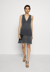 M Missoni - DRESS - Strikket kjole - blue silver - 1