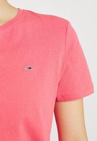 Tommy Jeans - TJW SOFT TEE - T-shirt imprimé - botanical pink - 5