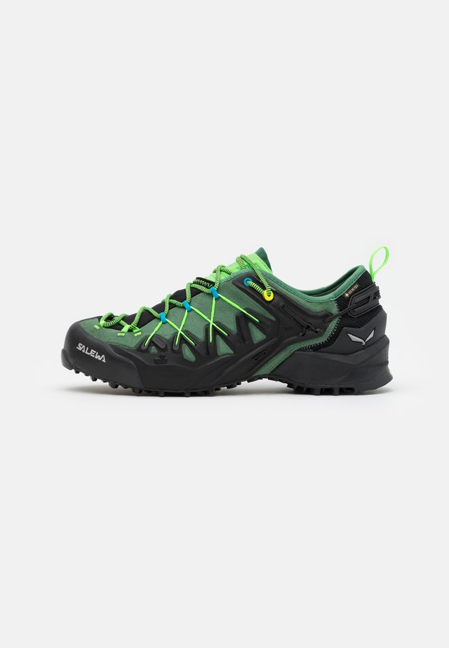 MS WILDFIRE EDGE GTX - Zapatillas de senderismo - myrtle/fluo green