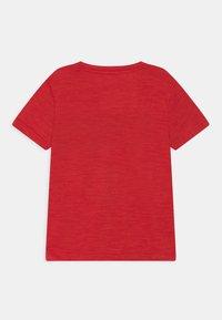 Nike Sportswear - PERFORMANCE UNISEX - Print T-shirt - university red heather - 1