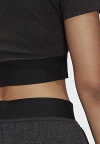 adidas Originals - R.Y.V. CROP TOP - Print T-shirt - black - 5