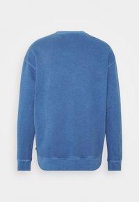 Levi's® - PRIDE RELAXED GRAPHIC CREW UNISEX - Sweatshirt - blues - 1