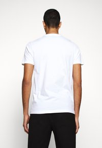 PS Paul Smith - MENS SLIM FIT VAULT ZEBRA - Print T-shirt - white - 2