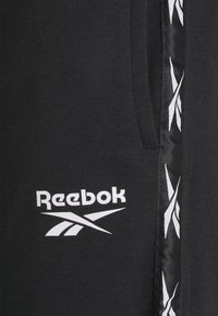 Reebok - TAPE SHORT - Sports shorts - black - 4