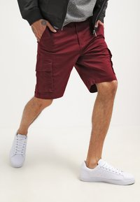 YOURTURN - Shorts - bordeaux - 3