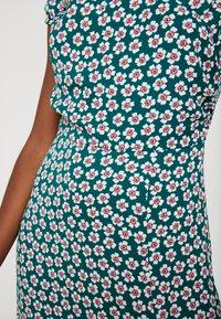 Honey Punch - OFF SHOULDER MAXI DRESS - Žerzejové šaty - green - 6