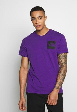 FINE TEE - T-shirt con stampa - hero purple