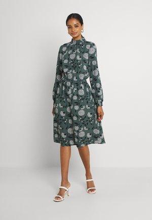 ONLNOVA LUX SMOCK DRESS - Vapaa-ajan mekko - balsam green/white