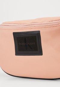 Calvin Klein Jeans - SLEEK STREETPACK - Heuptas - pink - 2