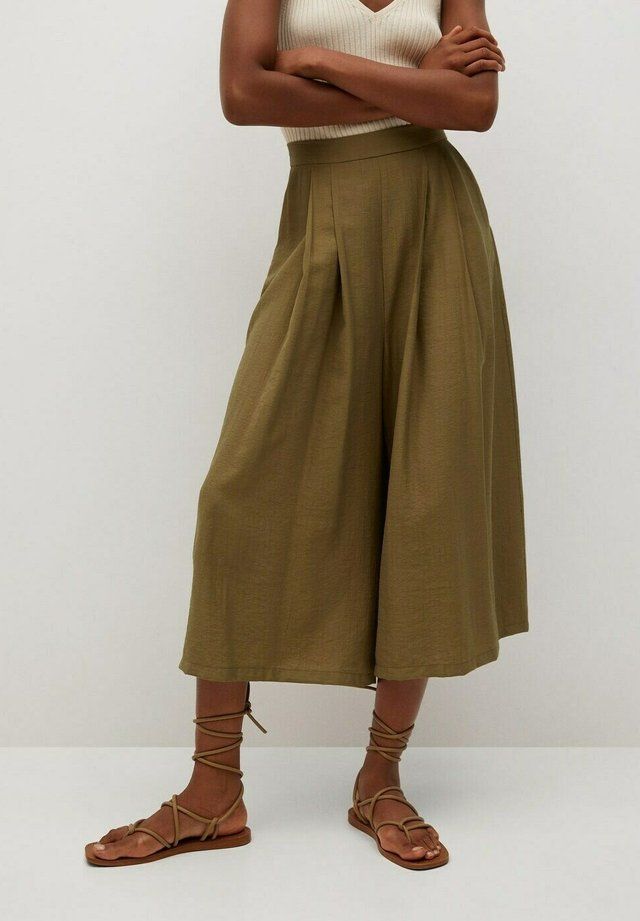 Trousers - olive green
