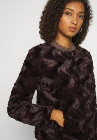 Vero Moda - Light jacket - dark brown - 4