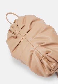 Seidenfelt - MYSEN - Handbag - sandy - 4