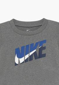 Nike Sportswear - BABY SET - Shorts - midnight navy - 4