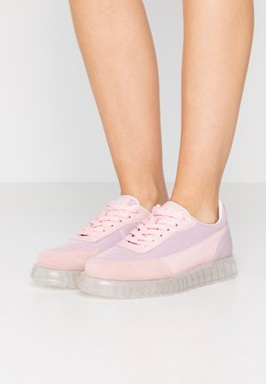 ZENITH AIR - Sneakers laag - pink