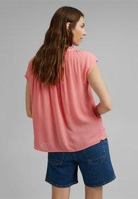 Esprit - BLOUSE - Print T-shirt - coral - 2